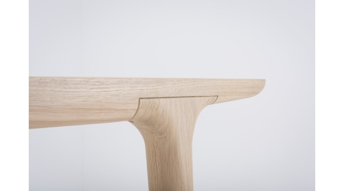 Fawn table