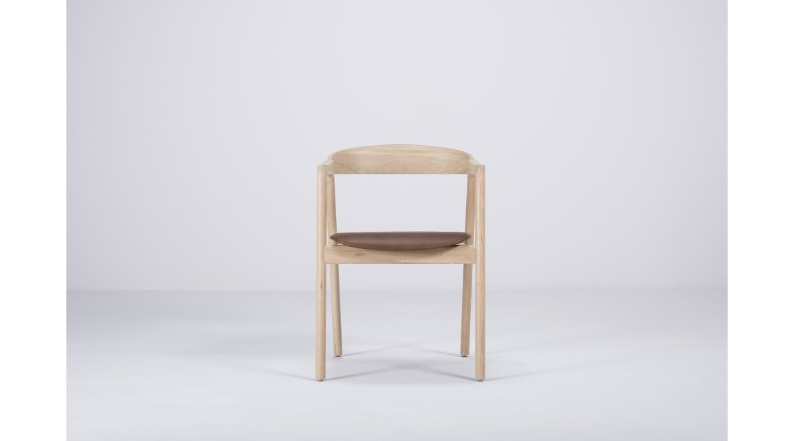 Muna lounge chair