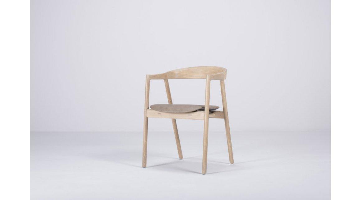 Muna chair